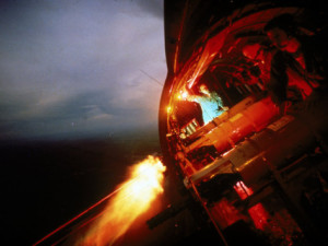 larry-burrows-crew-of-us-ac-47-plane-firing-7-62-mm-ge-miniguns-during-night-mission-in-vietnam (1)