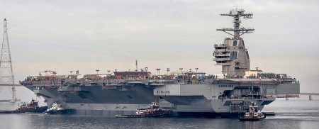 Floating-city-Aircraft-carrier-USS-Gerald-Ford-3